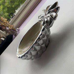 Cynthia Rowley silver metallic pineapple ring dish